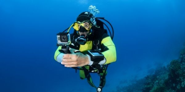 Are sharks attracted to GoPro?